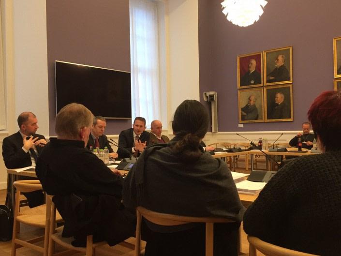 Dagens Pituffik samråd: Aaja Chemnitz Larsen savner større åbenhed